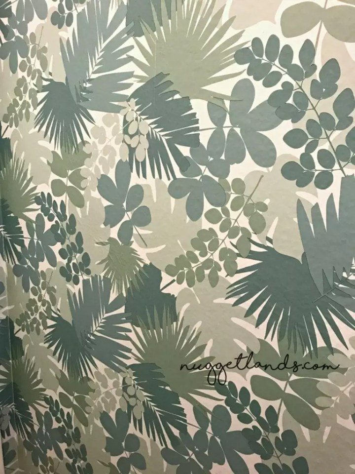Peel and stick wallpaper pattern