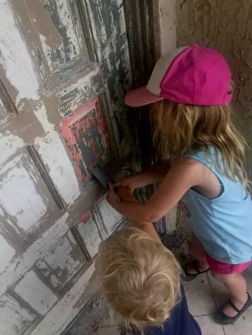 front door sisters helping