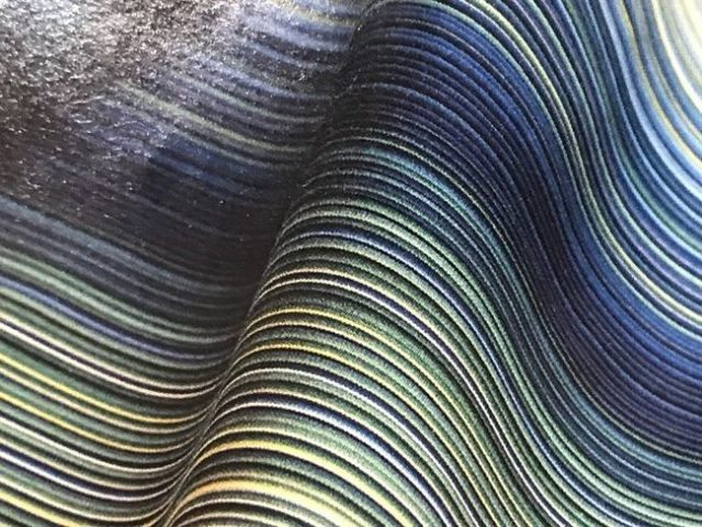 築城則子さんの小倉縞木綿帯・藍、槐、福木のグラデーション