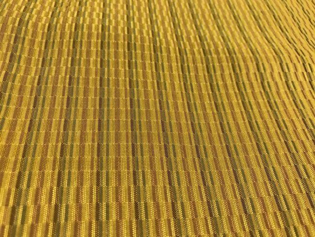 「黄八丈めゆ工房」の山下八百子の黄八丈の着物