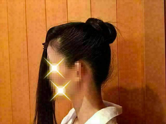 ウイッグを使った着物の髪型・前髪を残して後ろの髪でお団子を作る