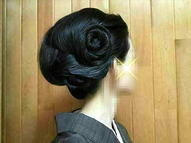 着物の髪型 40代50代 簡単に自分で出来る訪問着に合う和装ヘアアレンジ ロング 完成右サイド