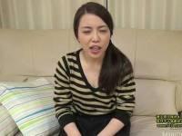 坂本桃花 ほんとに結婚2年目?!地味顔人妻とハメ撮り、広範囲な顔射でしてやったりで...