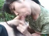 森口サクラ 農家の奥さんをナンパ、青空の下、農道でござ敷いてセックス開始