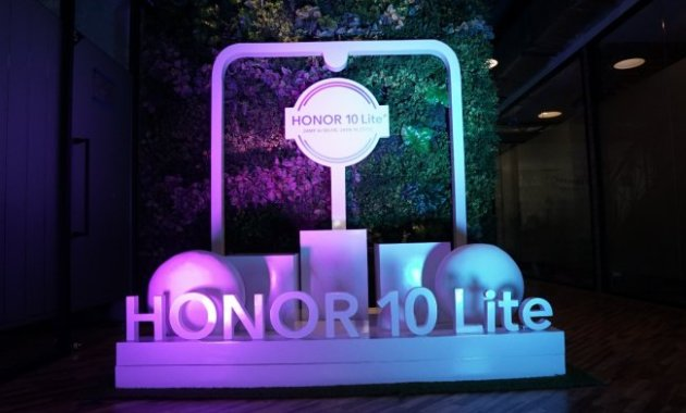 Spesifikasi, Harga, dan Kelebihan Honor 10 Lite yang Keren Abis - Honor 10 Lite Stage