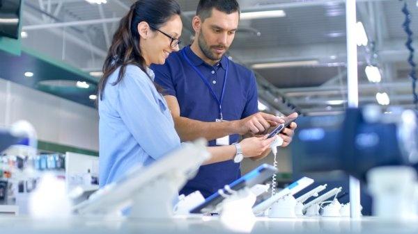 4 Merek Alat Elektronik yang Memiliki Fitur Canggih di Tahun 2019! - Ilustrasi Konsumen Elektronik