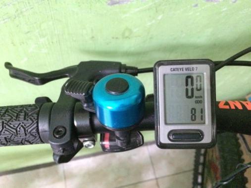 Review Speedometer Sepeda Cateye Velo 7 - Tampilan Cateye Velo 7
