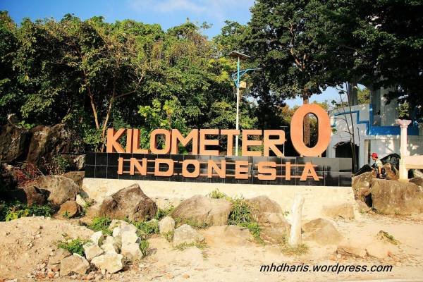 Destinasi Terbaik Untuk Liburan Bersama Keluarga - tugu nol kilometer sabang 15