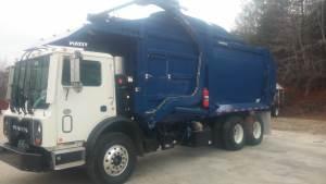 Front Loader Garbage Truck Mack MRU613 with Wayne Titan Body