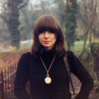 young-anna-wintour