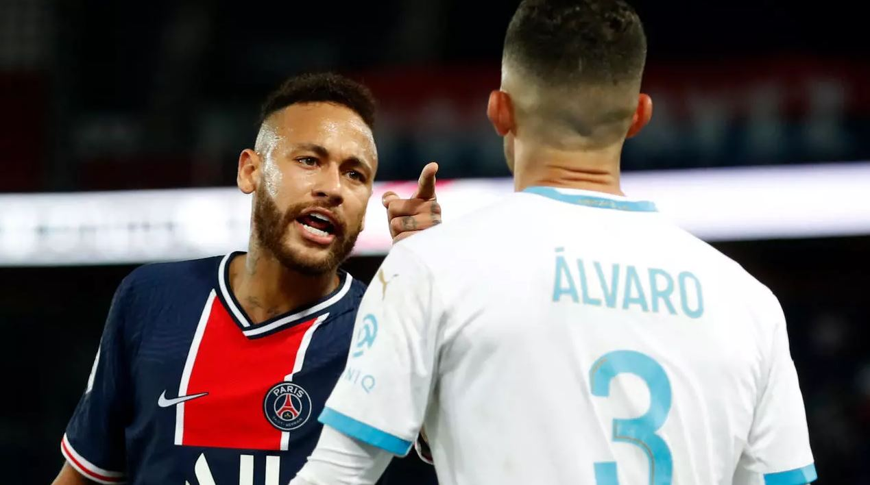 Neymar interdit de jouer deux matches, une enquête est lancée sur les accusations de propos racistes