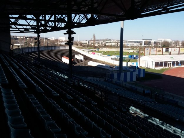 Stade Olympique de Colombes, w tle mecz Racingu