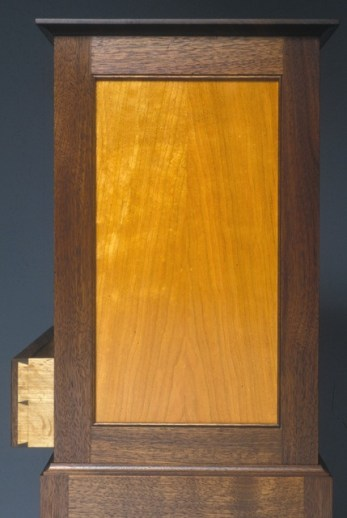 6 bellanca chest on stand detail-001