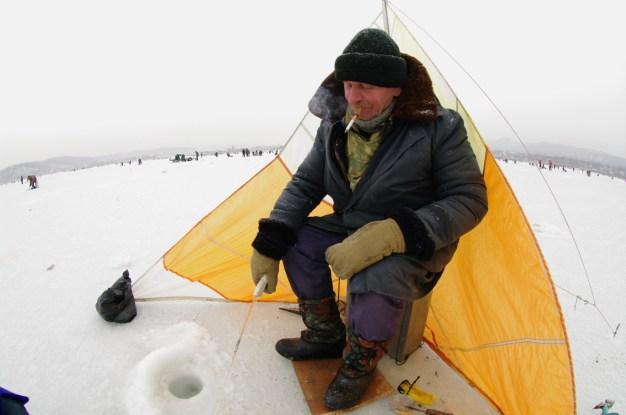 17 Ice Fisherman Solo
