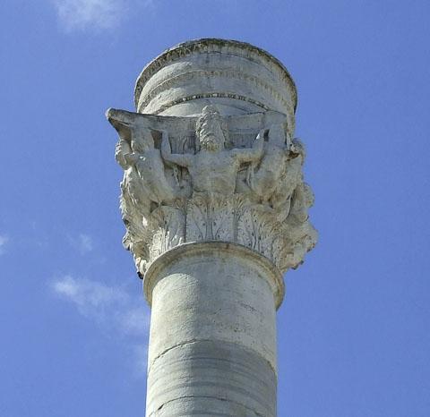 column-in-brindisi