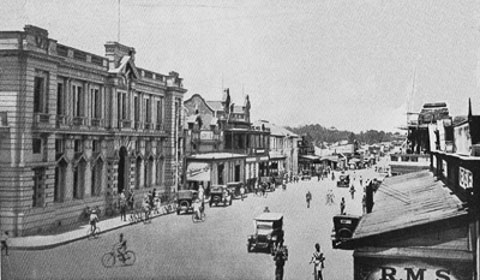Salisbury Rhodesia 1930 via Wikimedia Commons