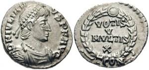 10) Giuliano II Augusto. 361-363 AD. AR Siliqua (2.32 g). Zecca di Arelate. DN CL IVLIAN-VS PF AVG, capo diademato con perle, busto corazzato e drappeggiato rivolto a destra / VOTIS/V/MVLTIS/X in quattro righe inscritto in una corona d'alloro; TCON. RIC VIII 295; RSC 161†. (www.cngcoins.com)