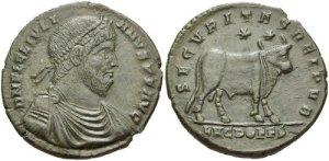 Figura 21) Giuliano II Augusto. 360-363 AD. Æ 27mm (7.95 g, 6 h). Zecca di Lugdunum. DN FL CL IVLIAN-VS PF AVG, capo diademato con perle, busto corazzato e drappeggiato rivolto a destra / SECVRITASREIPVB , Toro stante a destra sormontato da due stelle; LVGDOFFS.. RIC VIII 236., LRBC 268. (www.cngcoins.com)