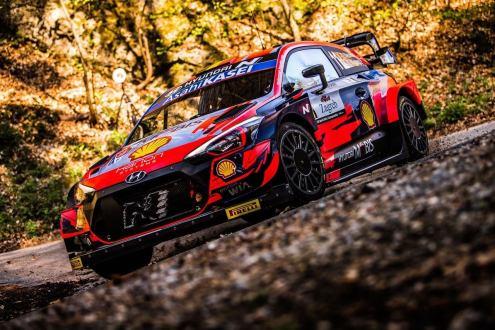 WRC: Croatia Rally 2021: Neuvile, Ogier e Evans separados por 8 seg
