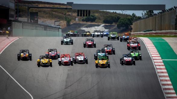 Super Seven by Toyo Tires inicia época com novo recorde de inscritos no Algarve!