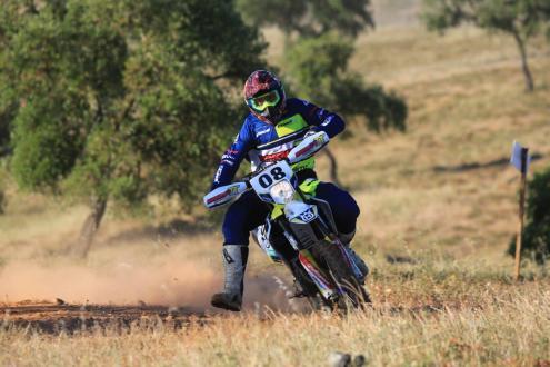 Bruno Santos (Husqvarna) e Luis Fernandes (Yamaha) vencem 1ª etapa