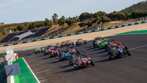 Super Seven by Toyo Tires deslumbra no Autódomo do Algarve!