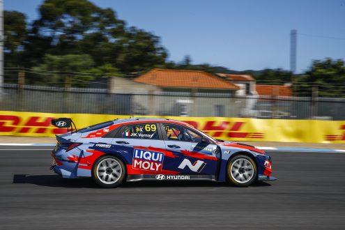 Tiago Monteiro segundo na 'onda' Type R no Estoril