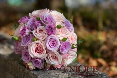 Buchet de mireasa roz mov