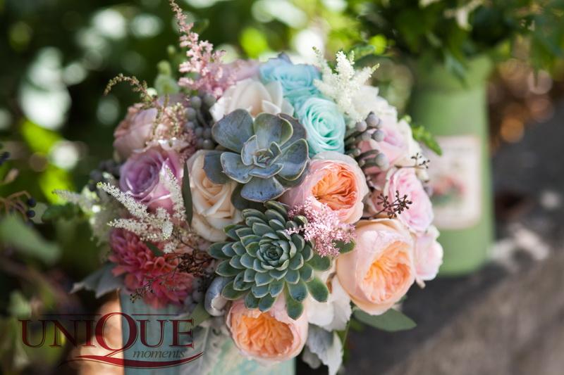 1Succulent bridal bouquet Unique Moments