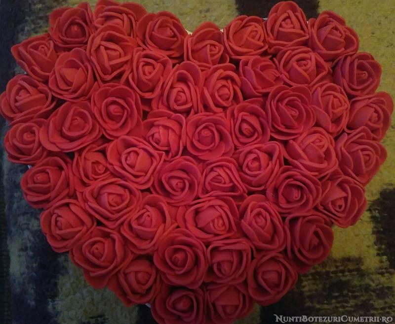 #Oferta | Aranjamente florale deosebite cu trandafiri din spuma