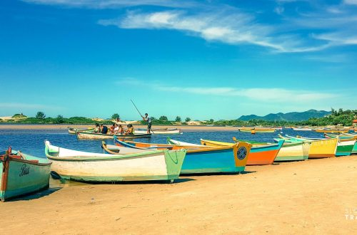 Praia da Guarda do Embaú_Rio Madre