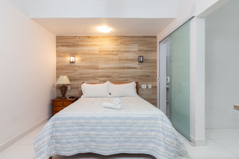 Airbnb em Búzios / Kit na Rua das Pedras
