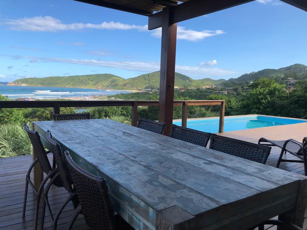 Airbnb na Praia do Rosa / Casa Blue Moon