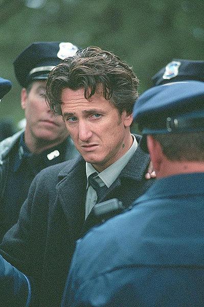 Sean Penn in 'Mystic River'. Per questa interpretazione ha vinto l'Oscar