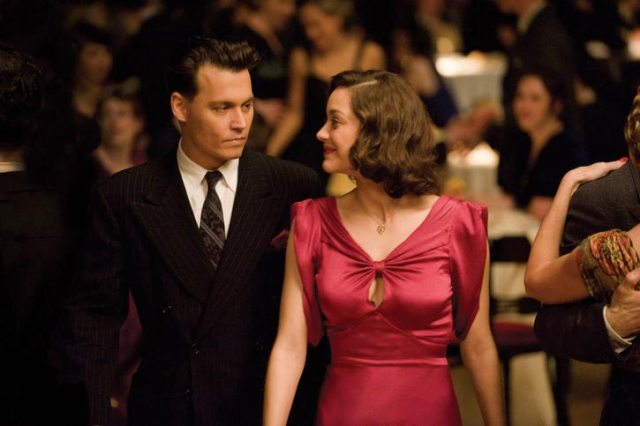 Johnny Depp e Marion Cotillard in 'Nemico pubblico - Public Enemies' di Michael Mann