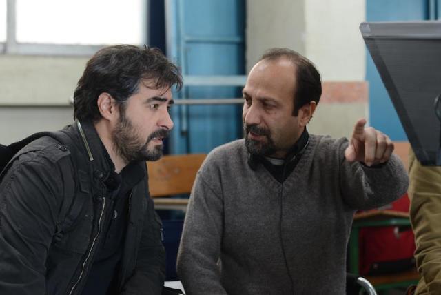 Asghar Farhadi (a dx) sul set con il protagonista Shabab Hosseini