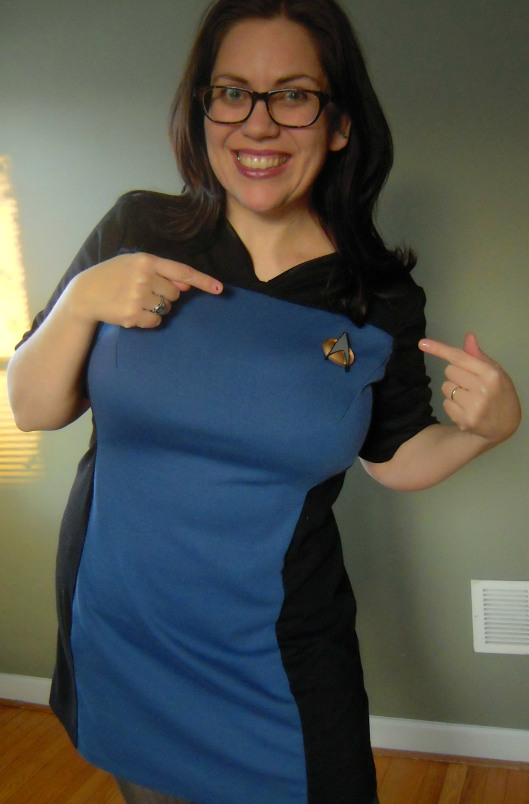 tng-skant-i-has-combadge
