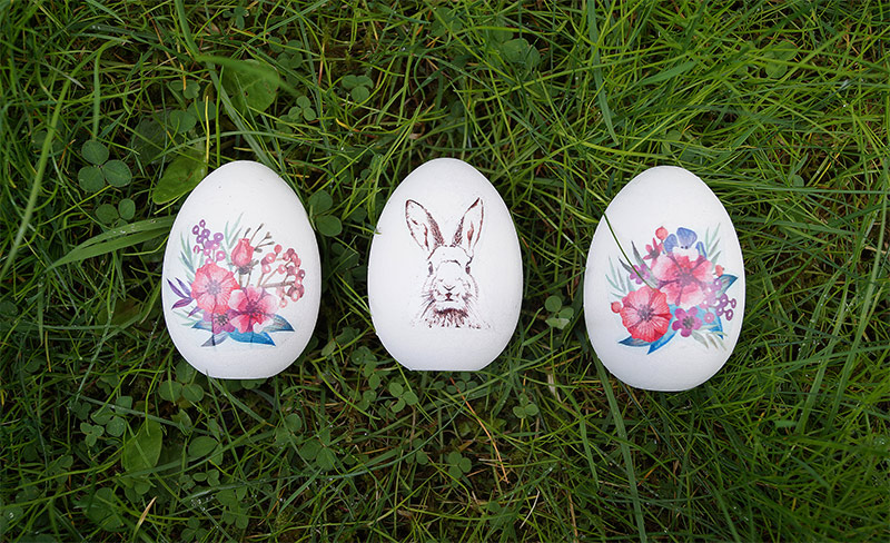 Easy Easter eggs with temporary tattoos