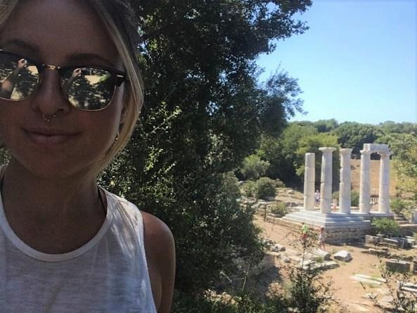 Women traveling alone in Greece