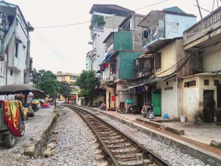 Hanoi tren street