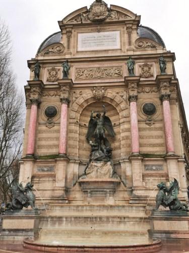 fuente de Saint Michel