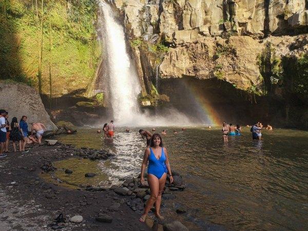 Tegenungan falls