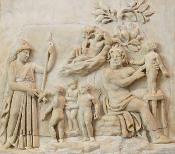 תבליט רומי מהמאה ה-3 לספירה, המתאר את מעשה בריאת האדם לפי המיתולוגיה היוונית: פרומתאוס יוצר את בני־האדם מעפר, ואתנה מעניקה להם את נשמתם.