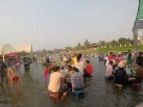Sonkran im Fluß Nam Xong
