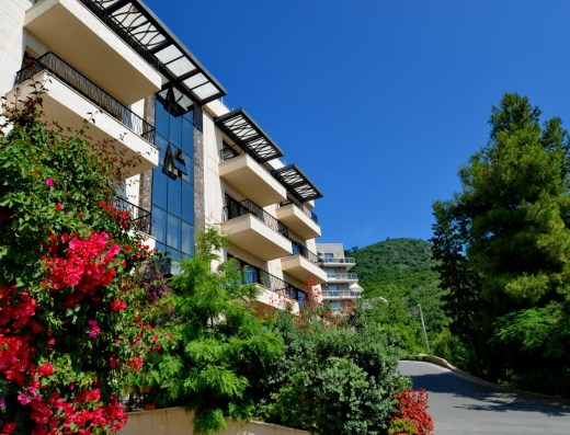 invest commercial property montenegro