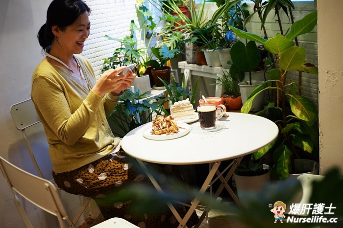 宜蘭羅東。小雨初晴手作甜點–每日限定的千層蛋糕好好吃(有店貓)
