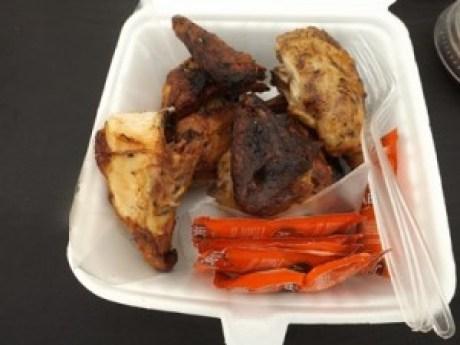 Ayam Bakar Cuckoo racikan Mr Luc Andre dan Mrs Sabrina Yasmin (foto: Nur Terbit)