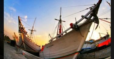 PERAHU PHINISI khas Bugis-Makassar dari daerah Provinsi Sulawesi Selatan. Pusat pembuatan perahu ini di Tanjung Bira, Kabupaten Bulukumba (foto : Istimewa)