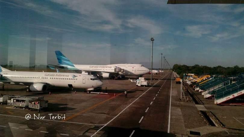 Sebelum jadi Bandara (baru) Internasional Sultan Hasanuddin, Maros, Sulawesi Selatan, adalah hamparan persawahan (foto : Nur Terbirt)