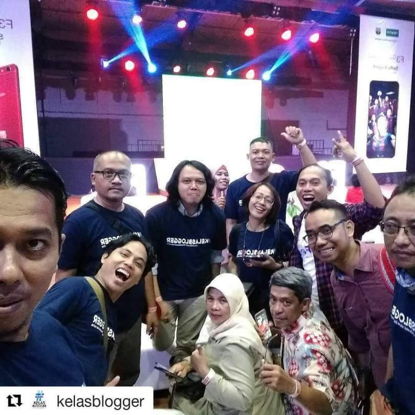 Komunitas Kelas Blogger (foto Jun Wijanto)